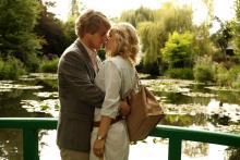 """Owen Wilson and Rachel McAdams in Woody Allen's movie Midnight in Paris."""""""